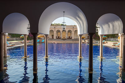 Swimming_Pool_-_The_Oberoi_Amarvilas_Agra_(1)_v1_current