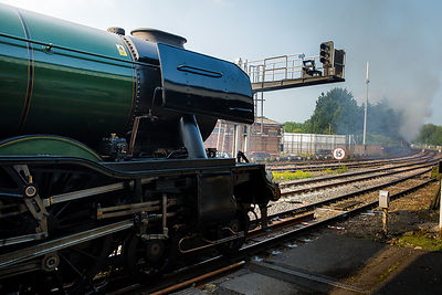 Fire delays departure of Flying Scotsman from Salisbury Station