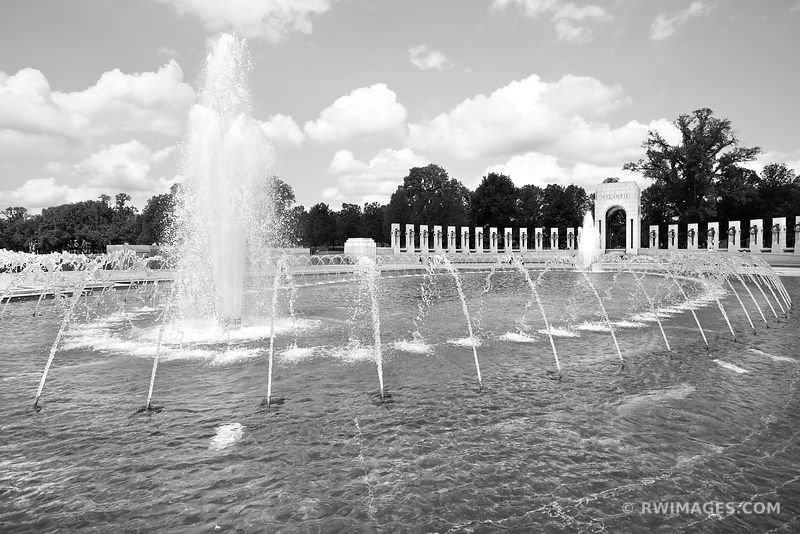 WORLD WAR II MEMORIAL FOUNTAIN WASHINGTON DC BLACK AND WHITE
