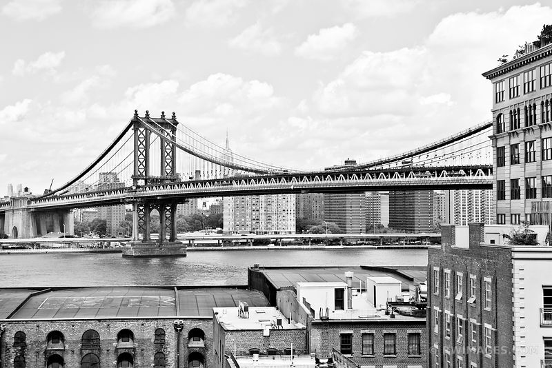 MANHATTAN BRIDGE BROOKLYN NEW YORK BLACK AND WHITE