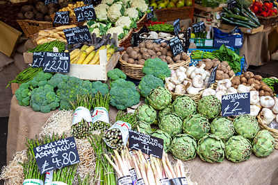 Fresh vegetables in London street market