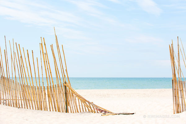 SOUTHAMPTON LONG ISLAND BEACH FENCE COLOR