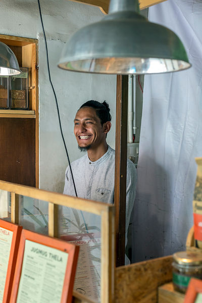 Mukesh, a server at JugMugThela, Champa Gali