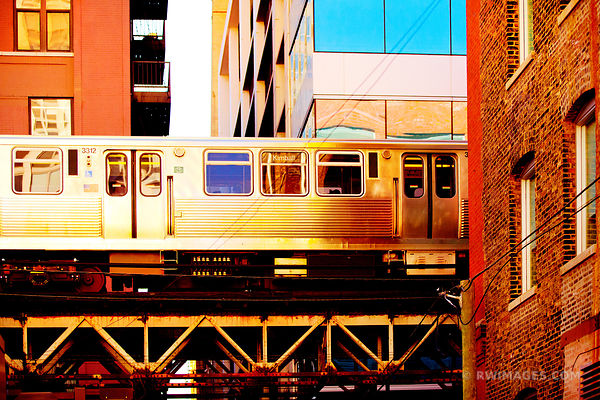 EL TRAIN CHICAGO COLOR