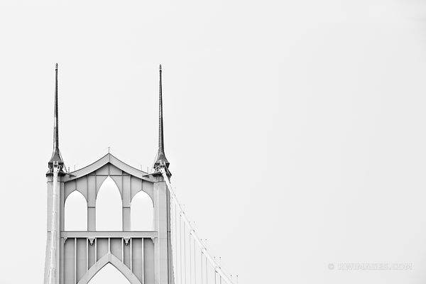 ST. JOHNS BRIDGE PORTLAND OREGON BLACK AND WHITE