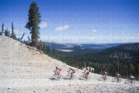 LEAD GROUP MENS RACE, LEFT TO RIGHT, DON MYRAH - DAVE WIENS (WINNER) - TIM GOULD - BEAT WABEL - NED OVEREND - TINKER JUAREZ, GENERAL VIEW MAMMOTH USA GRUNDIG WORLD CUP 1993