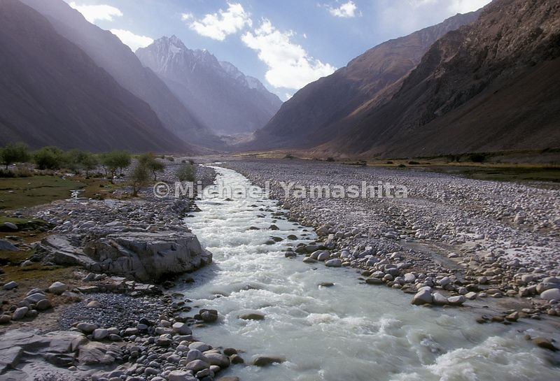 The Wakhan River in the Wakhan Corridor. Qal' eh-ye Panjeh, Afghanistan.