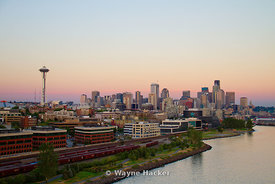 2010 Seattle skyline during sunset