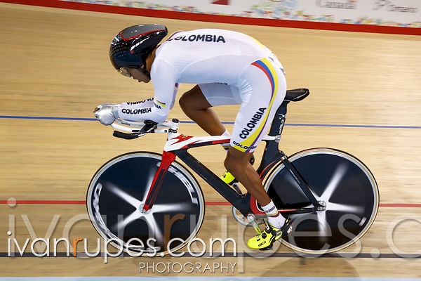 Men's Individual Pursuit C4-5 Finals. Track Day 2, Toronto 2015 Parapan Am Games, Milton Pan Am/Parapan Am Velodrome, Milton, On; August 11, 2015
