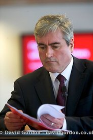 Iain Gray launches Scottish Labour manifesto