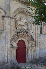 Melle. St Hilaire church. Paris Route.