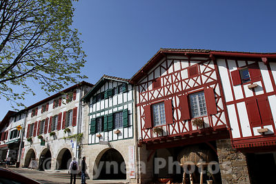 © Sebastien LAPEYRERE LA BASTIDE CLAIRENCE (PYRENEES ATLANTIQUE) LE 25/04/2013; VILLAGE DE LA BASTIDE CLAIRENCE AU PAYS BASQUE FRANCAIS ARCHITECTURE ET URBANISME .PAYSAGE DU PAYS BASQUE ..France April, 25th 2013.Typical landscape and house of Basque country in French region Euskadi