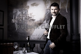 JULIEN_PANDOLFI_LA_TABLE_A_CANTINA-1