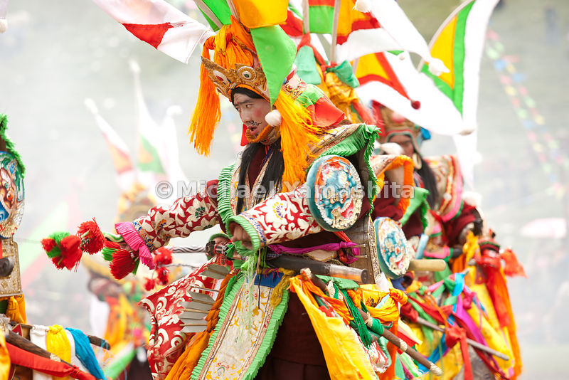 Chamadao, Shechen Monastery, Ling Gesar Festival, held for the first time. Ling Gesar is the father of Tibet, who united all the tribes. He was born nearby. Todays dancing depicts him winning a horse race and hence winning the throne. Legend of Ling Gesar. .................................