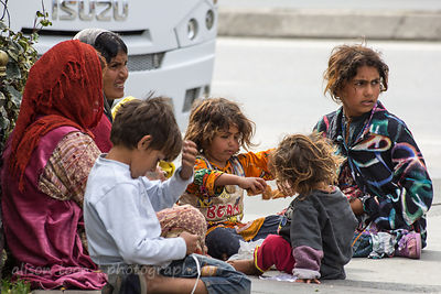 A group of Roma women and children, Istanbul