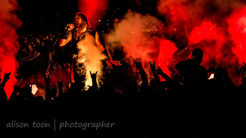 Amon Amarth and fans, Ace of Spades, Sacramento