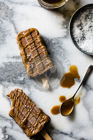 Healthy vegan salted caramel & chocolate swirl popsicles