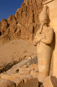 Deir Al Bahari, Temple of Hatshepsut, statue of Queen Hatshepsut, Ancient Thebes, Luxor, Egypt