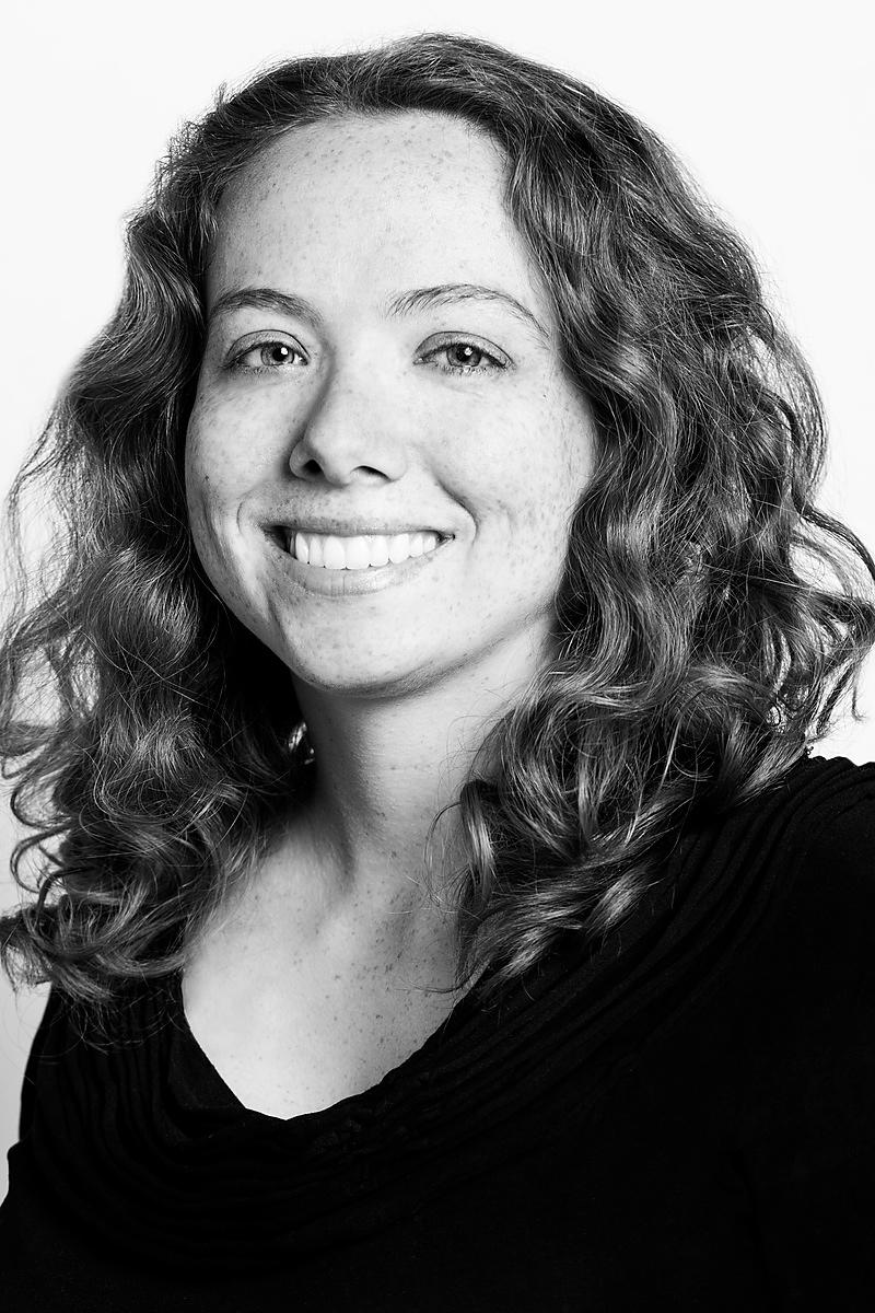 07-IMG_4168-RightfullySewn-Headshots-LisaLaney-bw