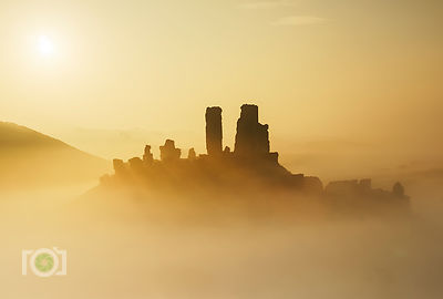 Winter morning Corfe Castle December 2015