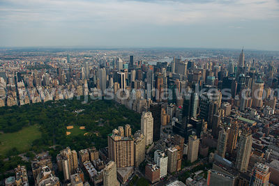 Aerial view of the many skycrapers of Midtown Manhattan