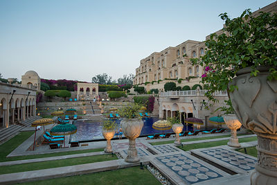 Swimming_Pool_-_The_Oberoi_Amarvilas_Agra_(2)_v1_current