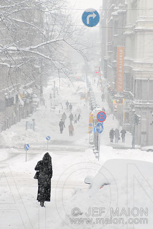 Snowstorm in the city kuvia