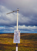 Solar-powered radio mast