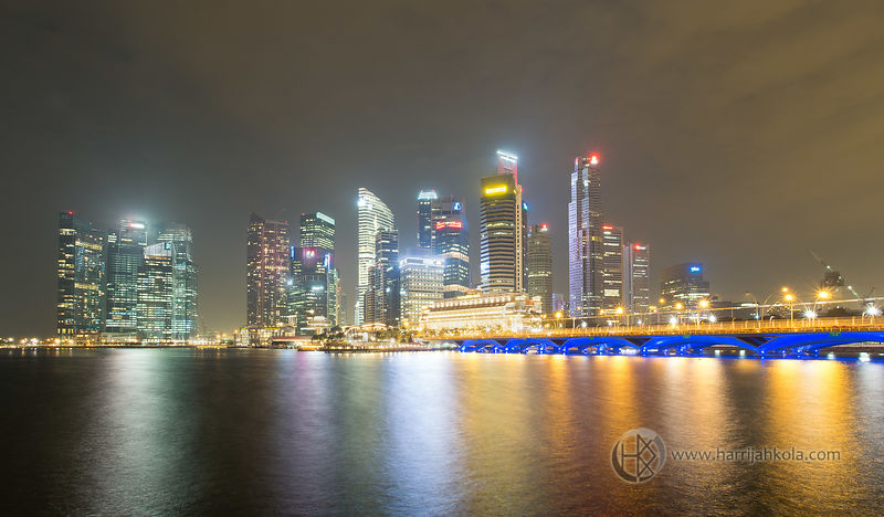 Singapore_(Marina_Bay_Nighttime_Panorama_II)