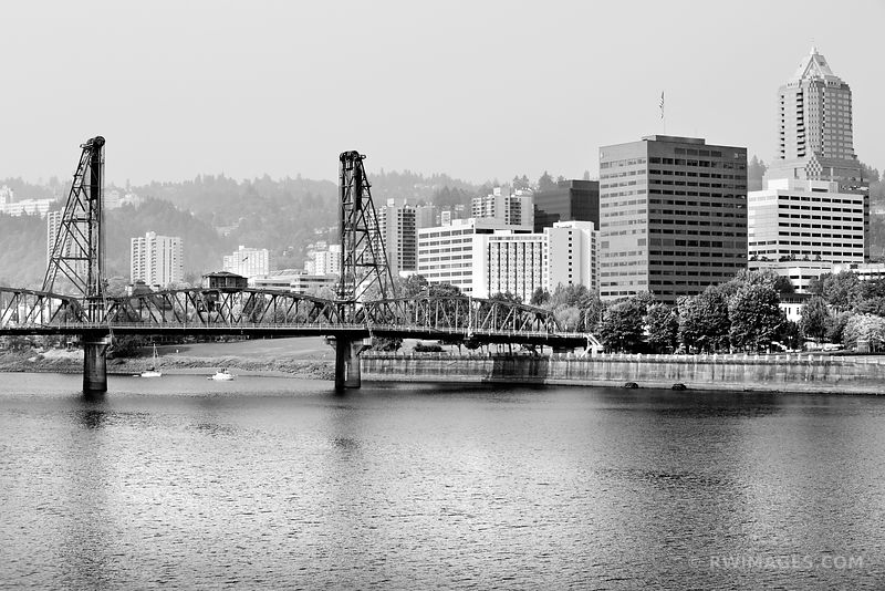 HAWTHORNE BRIDGE PORTLAND OREGON BLACK AND WHITE