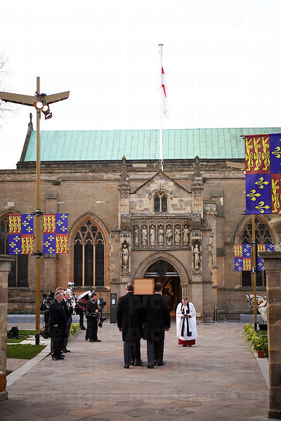 Richard III's Coffin is Carried into Leicester Cathedral