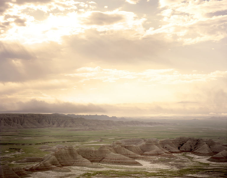 003-Western_Landscapes_D095029_Rays_of_Light_Above_Badlands_Preview