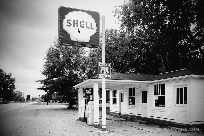 ROUTE 66 MOUNT OLIVE ILLINOIS SOULSBY'S SHELL GAS STATION BLACK AND WHITE