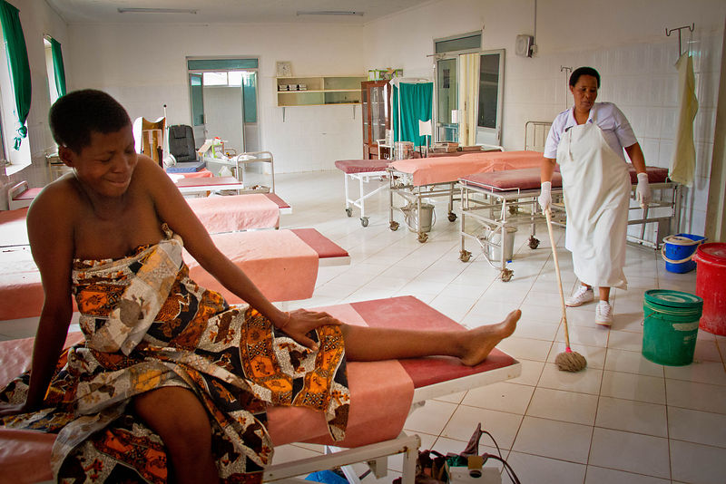 Woman in labour, Shinyanga Hospital, Mwanza, northern Tanzania (for the Touch Foundation.)