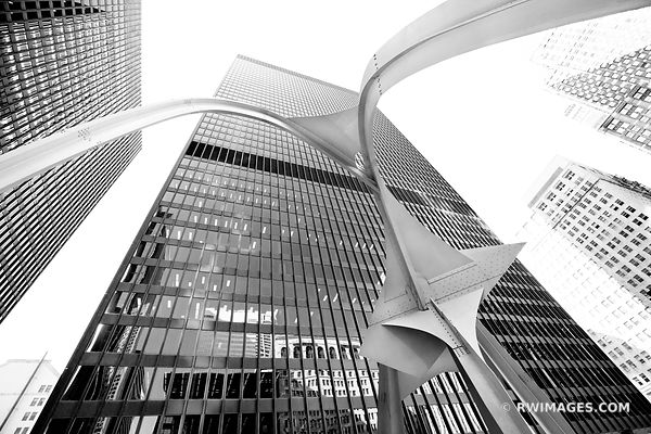 FLAMINGO SCULPTURE CHICAGO BLACK AND WHITE