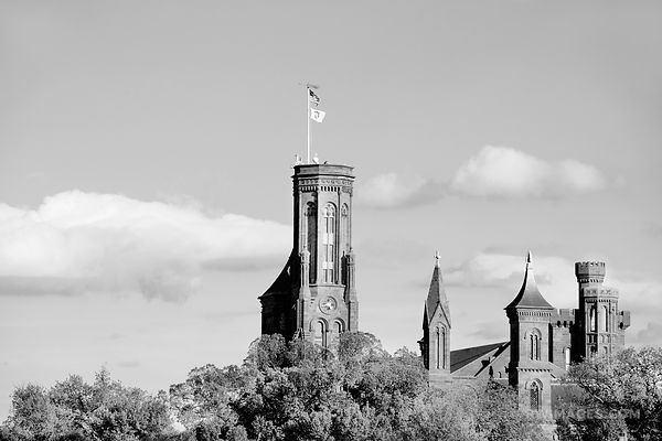 SMITHSONIAN CASTLE NATIONAL MALL WASHINGTON DC BLACK AND WHITE