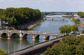Photo de la maine et du pont de Verdun