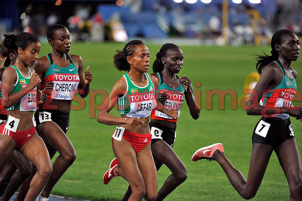 Vivian Jepkemoi Cheruiyot (seen here in second place) during the 5000m race.