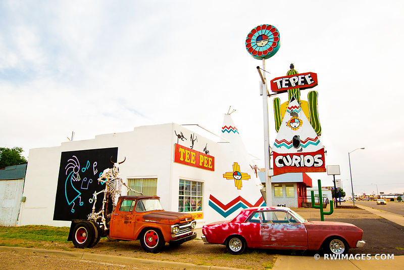 OLD CARS TUCUMCARI NEW MEXICO ROUTE 66