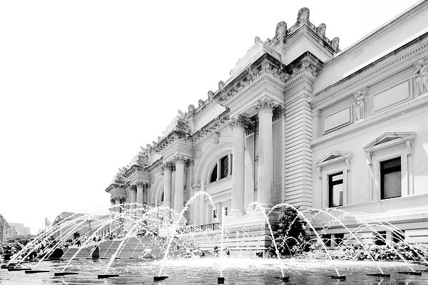 METROPOLITAN MUSEUM OF ART NEW YORK CITY BLACK AND WHITE