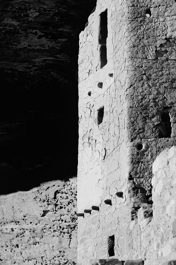 CLIFF DWELLINGS RUINS CLIFF PALACE MESA VERDE NATIONAL PARK COLORADO VERTICAL BLACK AND WHITE