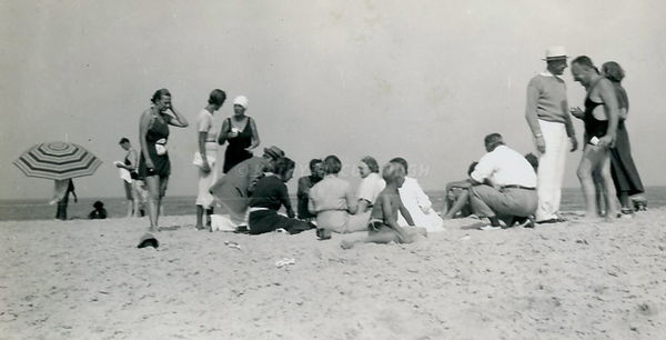 Rehobeth_Beach_bathers_-_Version_2
