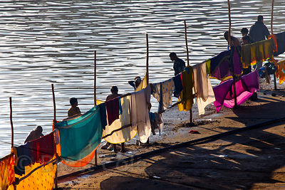 Devotees at the bathing ghats in Pushkar, Rajasthan, India
