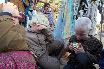http://s3.amazonaws.com/medias.photodeck.com/3c880b1a-e483-4250-ab78-f88823e3449a/Brett-Cole-India-06085_medium.jpg