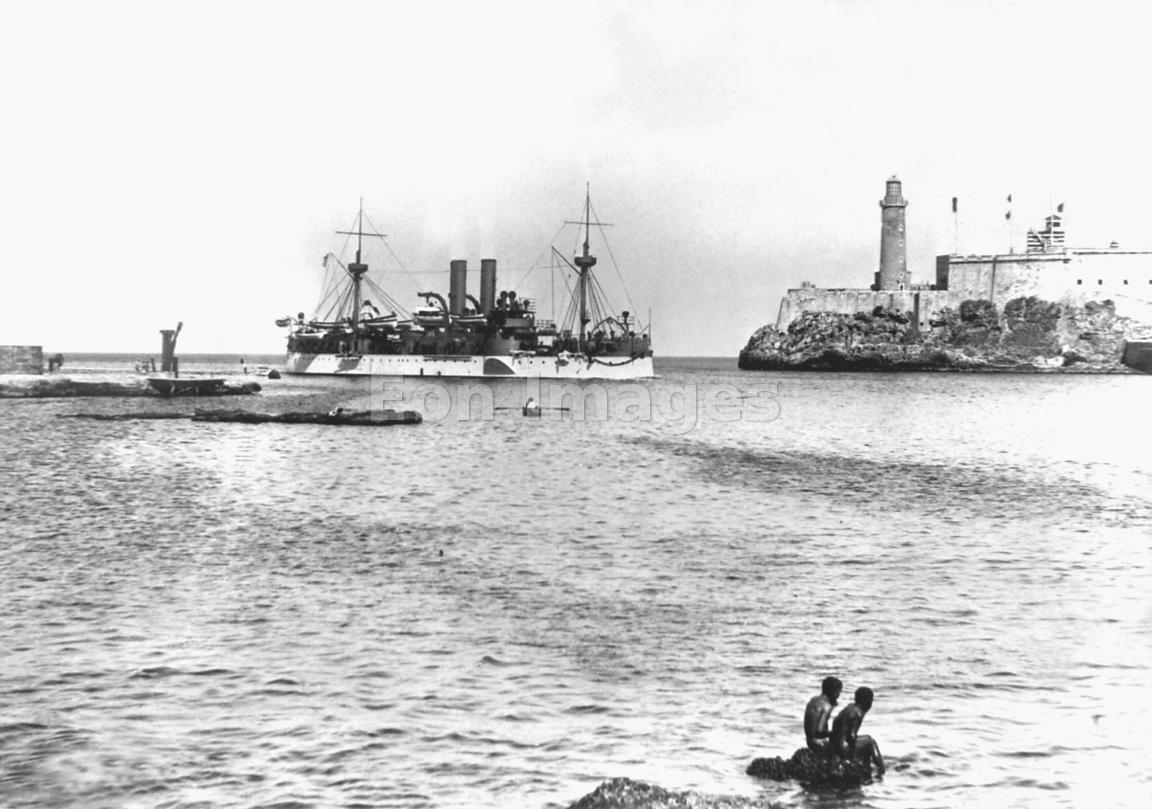 USS Maine enters Harbor of Havana in January 1898