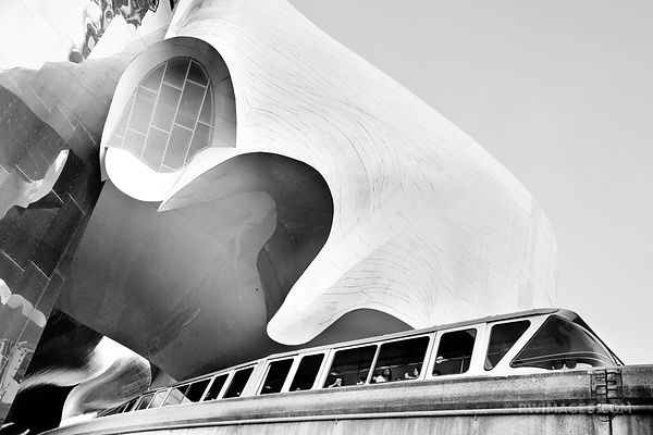 EXPERIENCE MUSIC PROJECT MUSEUM AND MONORAIL SEATTLE BLACK AND WHITE