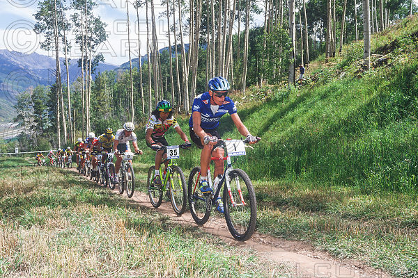 THOMAS FRISCHKNECHT LEADS TINKER JUAREZ, MIKE KLOSER, RANJEET GREWAL, NED OVEREND AND DAVE WIENS. HE CLINCHED THE OVERALL TITLE AT VAIL USA GRUNDIG WORLD CUP 1992