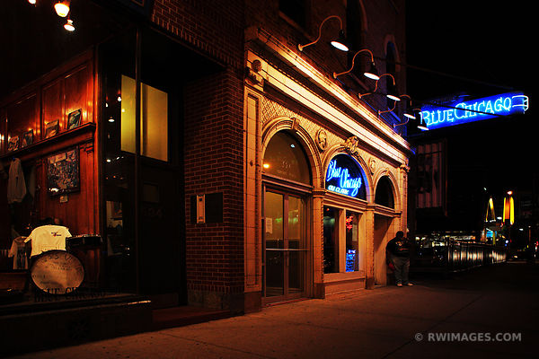 BLUE CHICAGO BLUES CLUB ON CLARK STREET DOWNTOWN CHICAGO