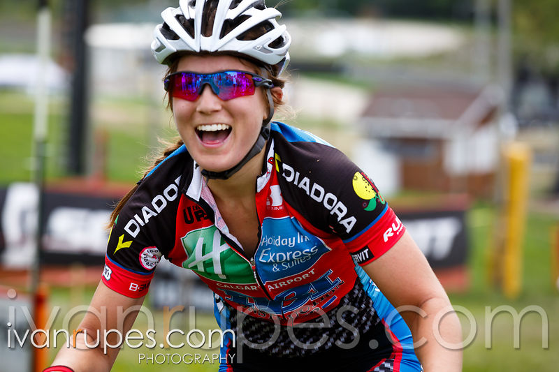 Elyse Nieuwold wins the elite women's race at MTX BX O-Cup #1 - Kelso, On, May 24, 2015