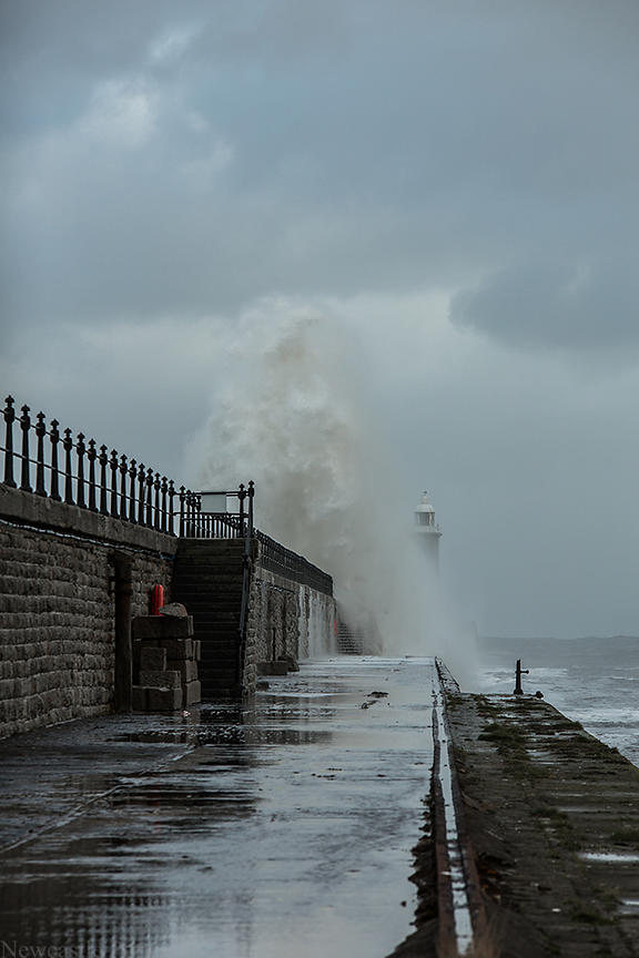 Tynemouth Pier waves
